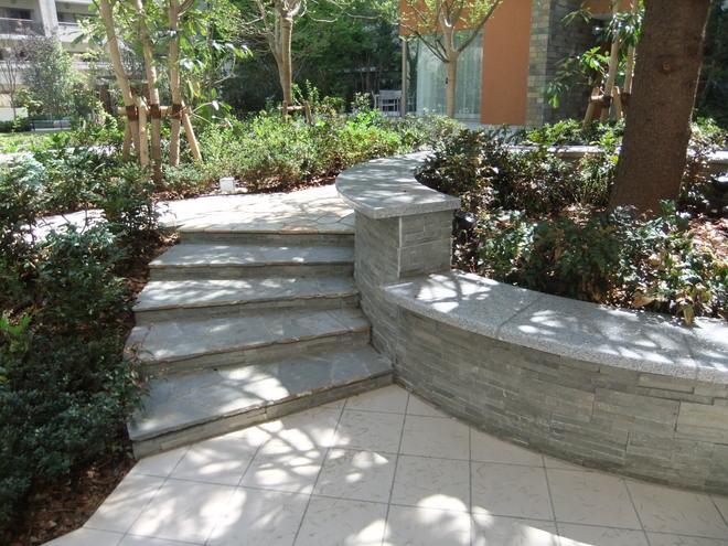 鉄平石階段